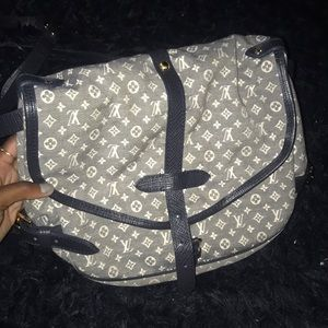 Louis Vuitton Mini Lin Samur messenger bag!!
